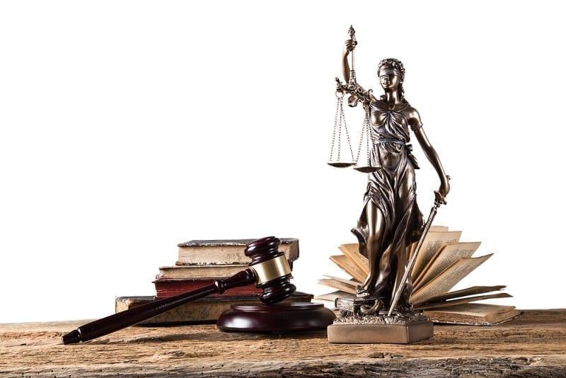 Derecho Civil con el símbolo de la justicia
