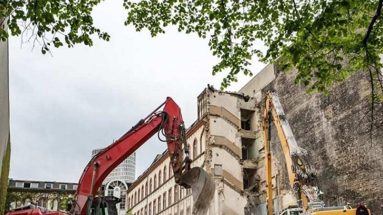 Demolición De 52 Casas Por Orden Judicial