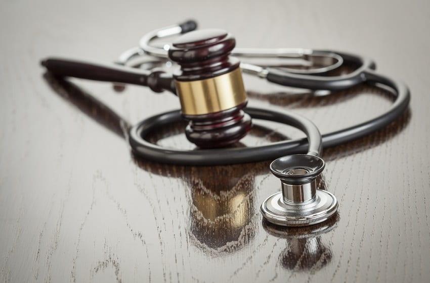 negligencias-medicas-abogado-carlos - reclamaciones daños y perjuicios por negligencias