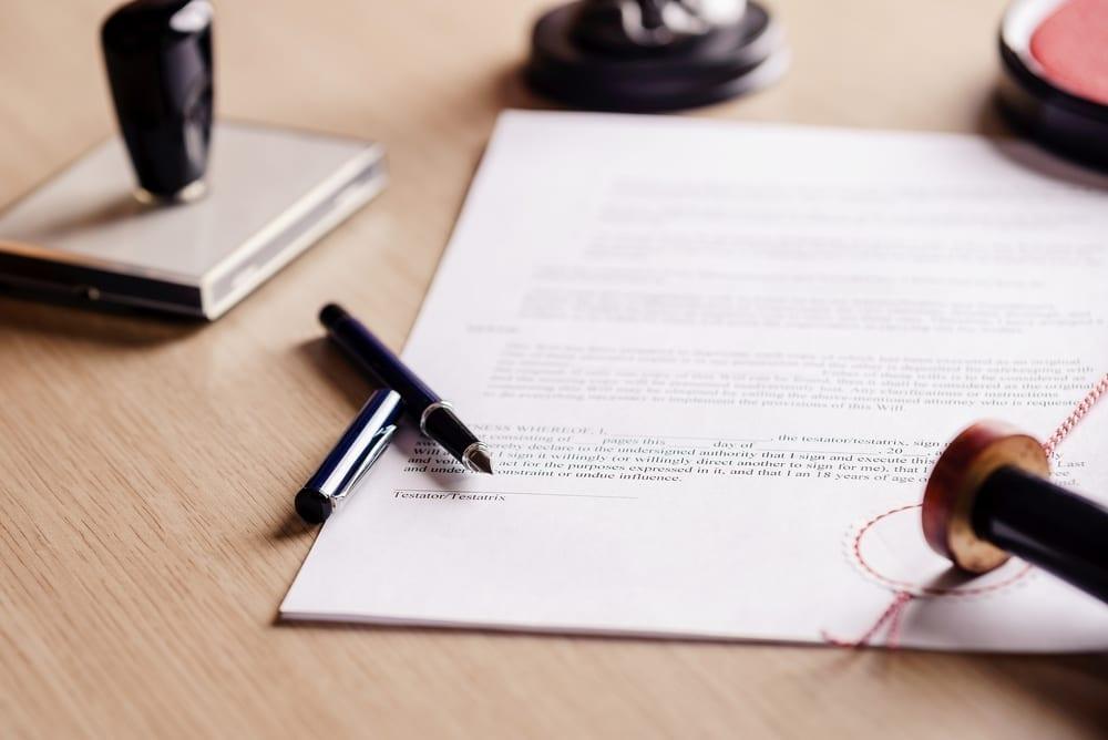 ¿Es usted heredero en un testamento, y el resto de beneficiados no quieren acudir al Notario a aceptar la herencia?